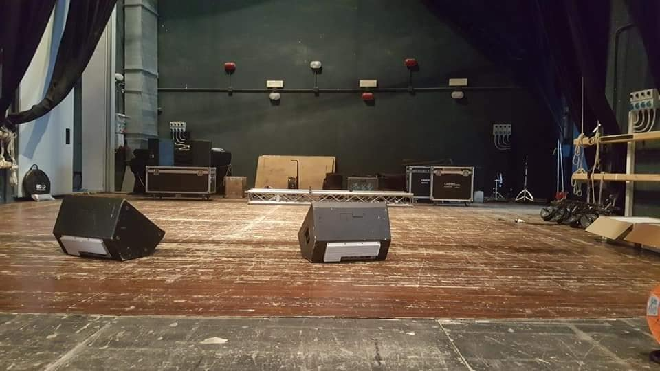 Palco allestito da Music Factory